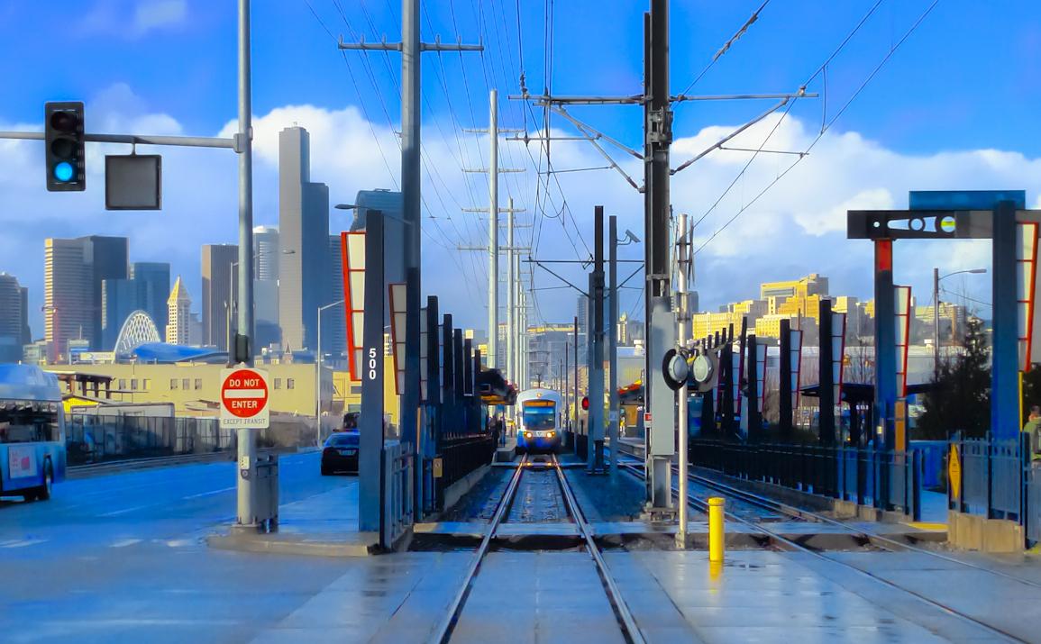 Sound Transit Light Rail train approaching station